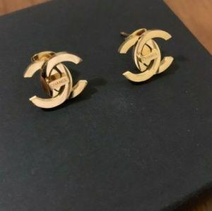 Impressive charming sexy earrings 💞💞💞💞💞